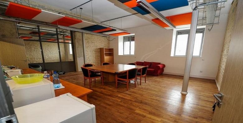 Bureaux en incubateur numérique pour start up